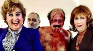 la cinta con un Manuel Tallafé ensangrentado, entre Carlos Areces y Santiago Segura.