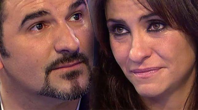 Melanie Olivares con Francisco, el padre de la pequeña Martina, durante el programa de televisión. (Telecinco)