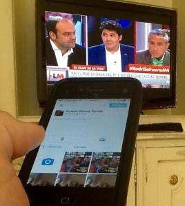Cada vez es más habitual tuitear mientras se ve la tele.